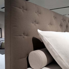 Jesse Maxim Bed